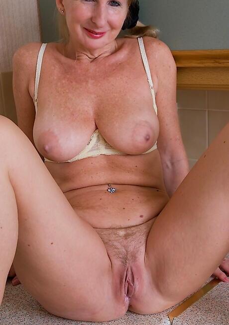Mature Pussy Porn
