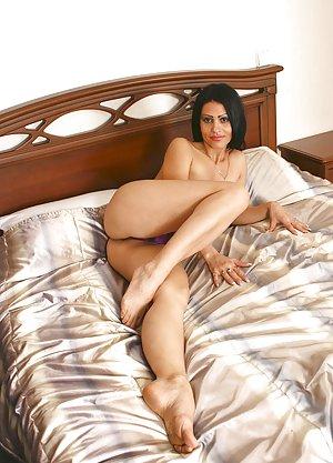 Legs Milf Porn